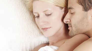 Tak można się kochać, relaksować i spać. Na łyżeczkę