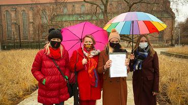 Wrocławskie działaczki skierowały do prezydenta Jacka Sutryka petycję ws. możliwości stosowania form żeńskich w nazwach stanowisk w urzędzie