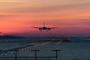 Samolot Qatar Airways musiał awaryjnie lądować. Pasażerka urodziła dziecko
