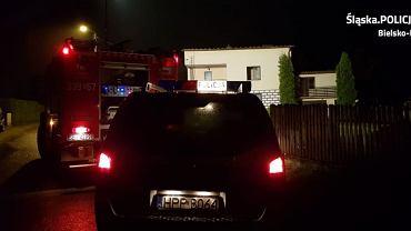 Policjanci wraz z biegłym ustalają okoliczności tragicznego w skutkach pożaru, do którego doszło w Czańcu