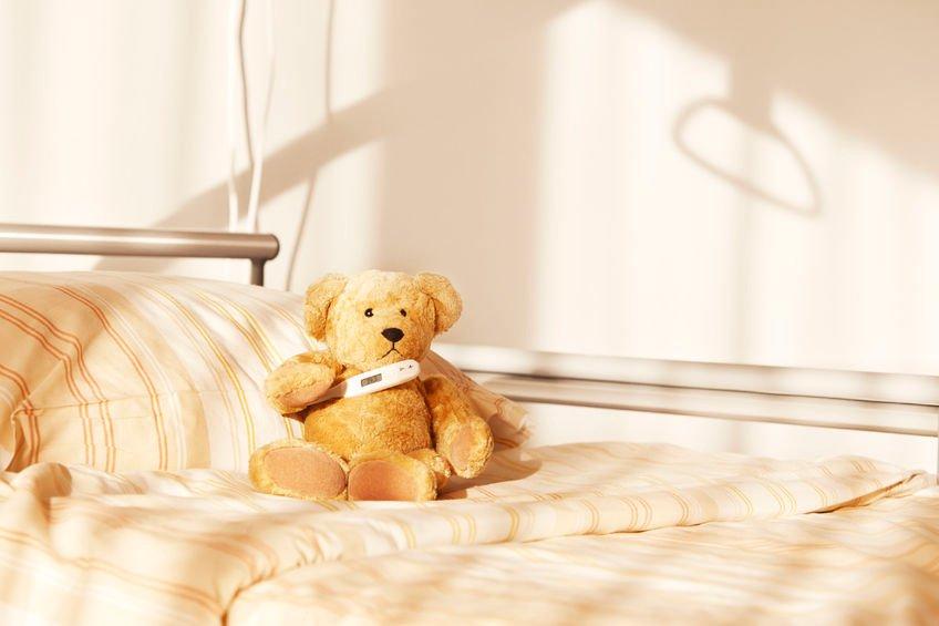 Na pustym już łóżku szpitalnym leżał samotnie mały, pluszowy miś z czarną łatką na uchu. Nie wiedział - bo przecież małe pluszowe misie tego nie wiedzą - że jego Pani już nie wróci.
