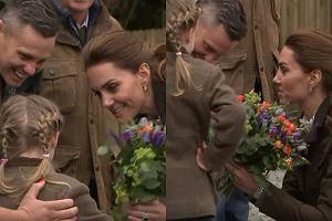 Księżna Kate i dziewczynka