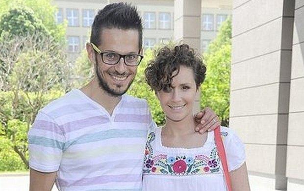 żydowska dziewczyna umawiająca się z chrześcijaninem