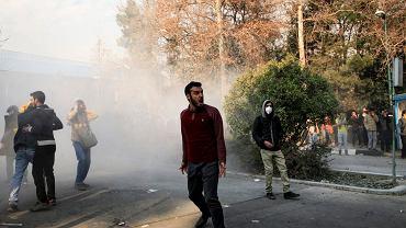 Antyrządowe demonstracje na ulicach Teheranu, 30 grudnia 2017 r.