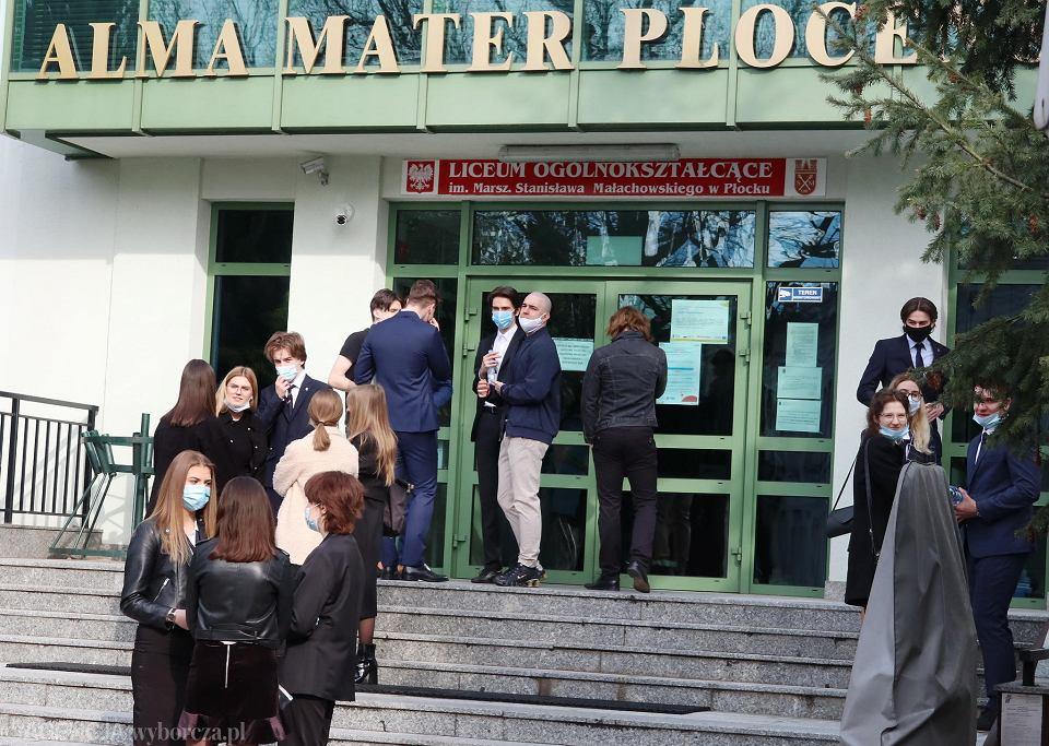 Zdjęcie numer 2 w galerii - Matura 2021. Jako pierwszy egzamin z polskiego. U nas - pierwsze zdjęcia z Małachowianki