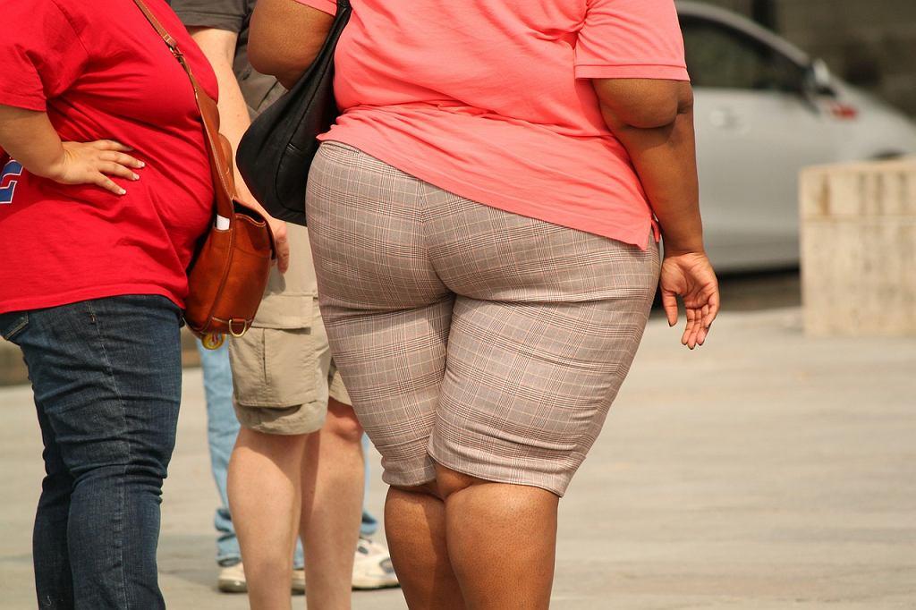 Na nadwagę i otyłość składa się nie tylko dieta, ale również tryb życia.