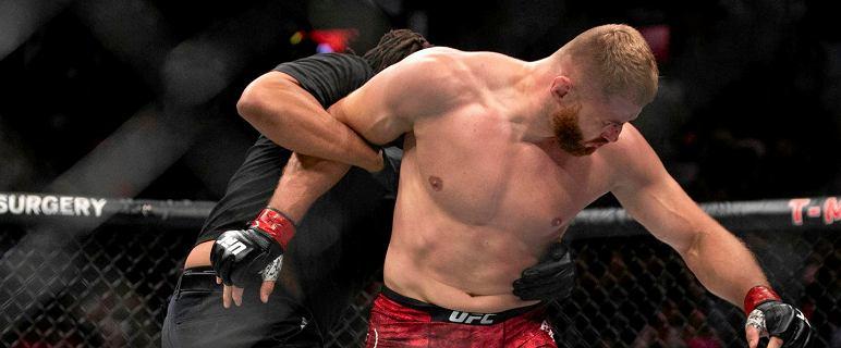"""Świat UFC komentuje historyczną walkę Jana Błachowicza. """"Paskudne"""""""