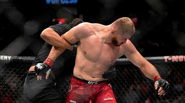 Świat UFC komentuje historyczną walkę Jana Błachowicza.