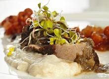 Policzki wołowe z sosem żurkowym i konfiturą z jarzębiny - ugotuj