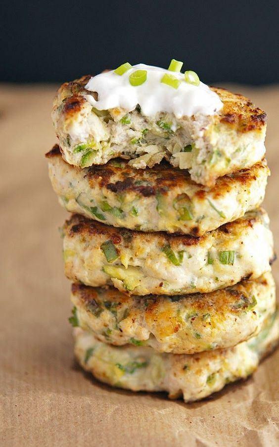 Burgery z indyka to doskonały pomysł na lekki obiad