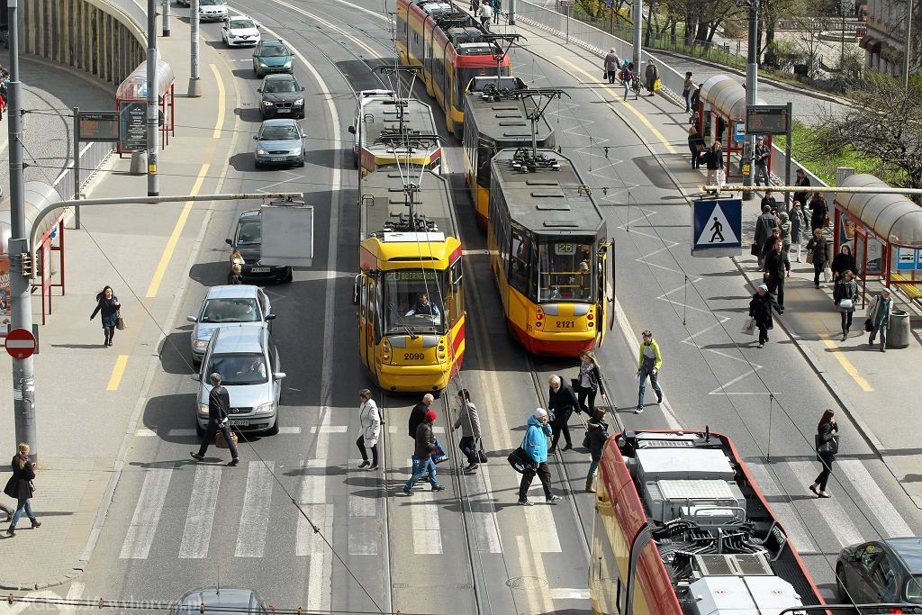 $Przystanki tramwajowe przy trasie WZ