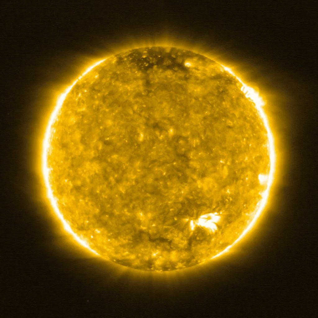 Zdjęcie korony Słońca z sondy Solar Orbiter