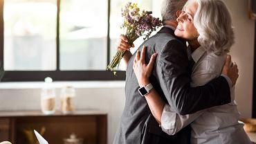 Rocznica ślubu - jak są nazwy poszczególnych rocznic? Jakie życzenia wypada złożyć świętującym małżonkom?