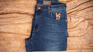 Zestaw spodnie Wrangler + narzędzie Letterman. Cena: ok 400 zł