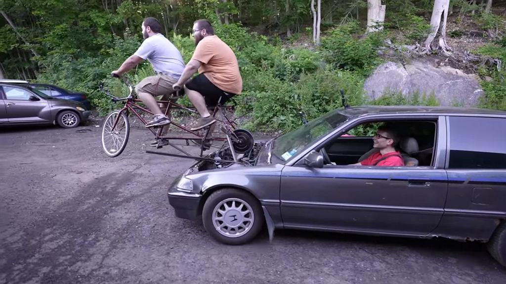 Honda Civic zasilana rowerem
