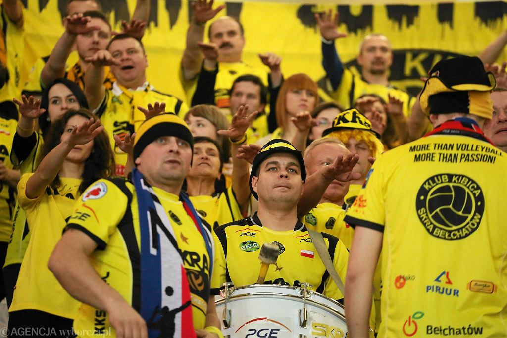 Klub Kibica Skry podczas meczu na Torwarze