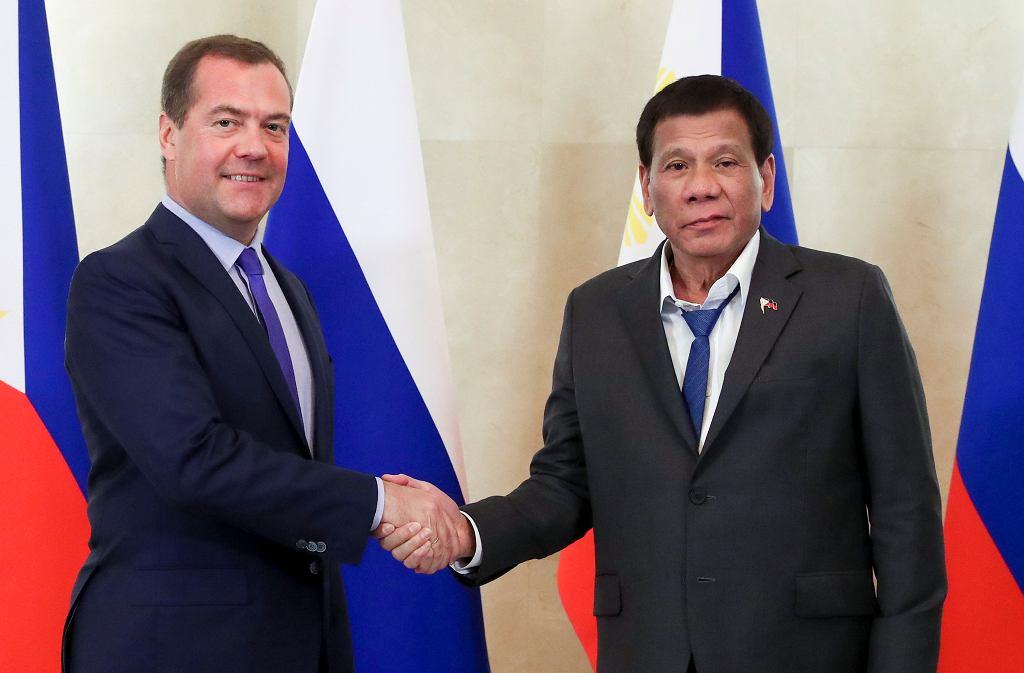 Premier Rosji Dmitrij Miedwiediew i prezydent Filipin Rodrigo Duterte