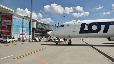 Samolot PLL LOT na wrocławskim lotnisku