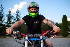 Żeby kupić wymarzony motocykl, pracował na dw