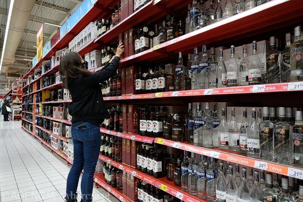W Polsce i na Węgrzech mamy najtańsze alkohole w UE. Przypadek?