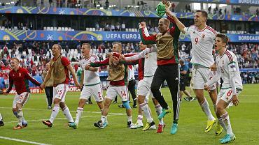 Euro 2016. Węgrzy po wygranej z Austrią. Z numerem 14 Gergo Lovrencsics z Lecha Poznań
