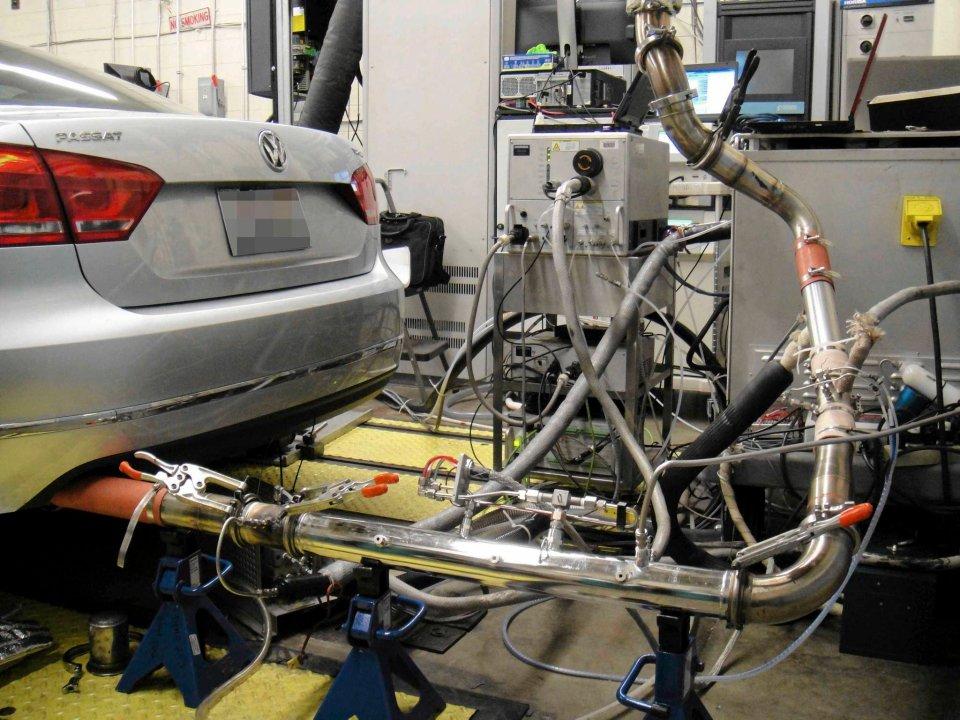 Volkswagen Passat podczas badania na Uniwersytecie Zachodniej Wirginii