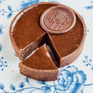 Tarta z musem czekoladowo-lukrecjowym