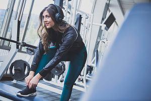 Jak ćwiczyć na siłowni? Poradnik dla początkujących