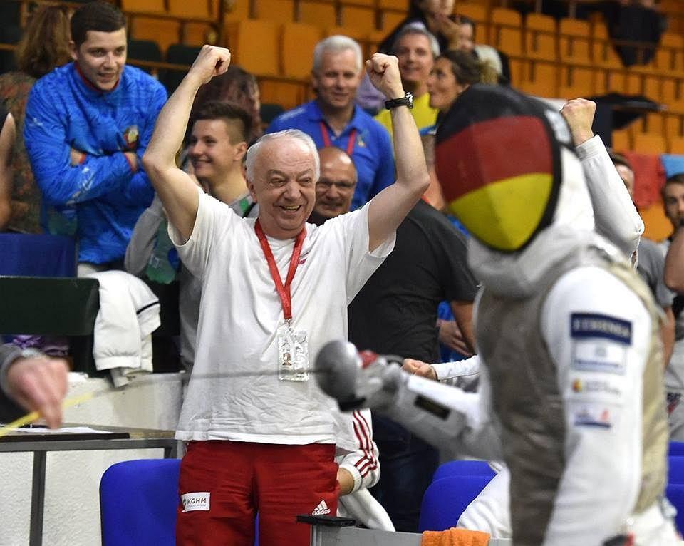 Trener Stanisław Szymański podczas meczu z Niemcami