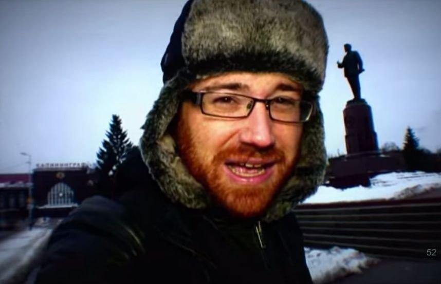 Hughes w Rosji/ Printscreen Youtube/ www.youtube.com/user/thatgingerscouser