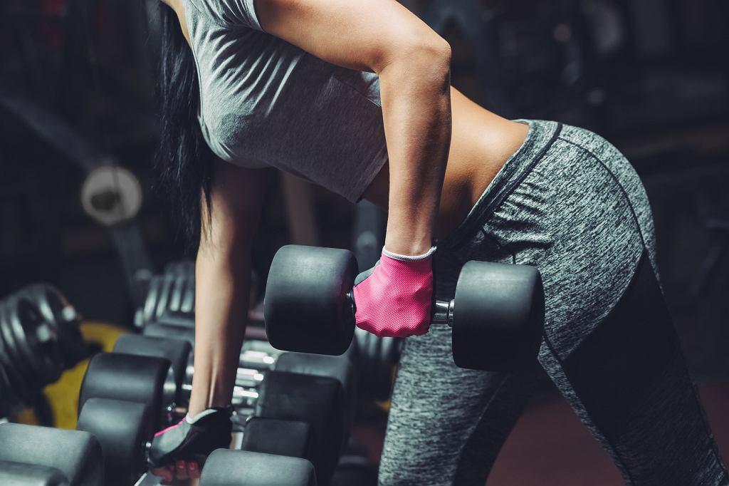 Trening na ramiona. Jak pozbyć się obwisłych ramion?