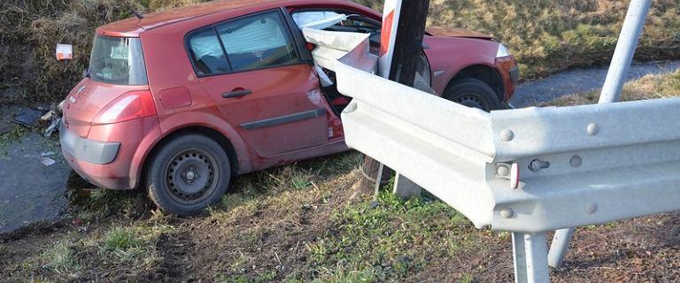 Podkarpackie: tragiczny wypadek w Jedliczu. Bariera ochronna przebiła pojazd