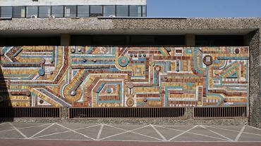 Tychy, mozaika Franciszka Wyleżucha w stanie z 2016 roku, przed rozebraniem budynku ZEG