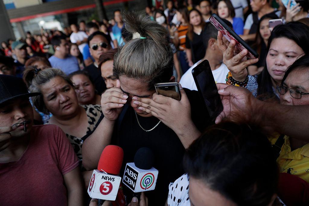 Filipiny: uzbrojony napastnik zaatakował pracowników centrum handlowego.