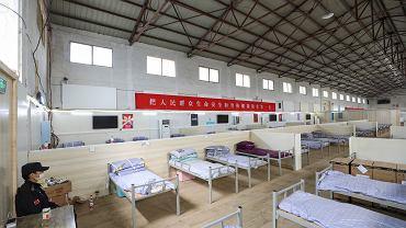 Tymczasowy szpital dla zakażonych koronawirusem w Wuhan