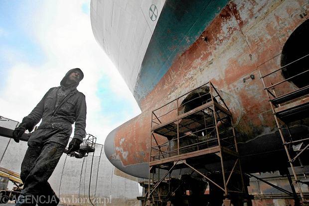 Miliardowe straty stoczni. Skąd się biorą kłopoty państwowych firm