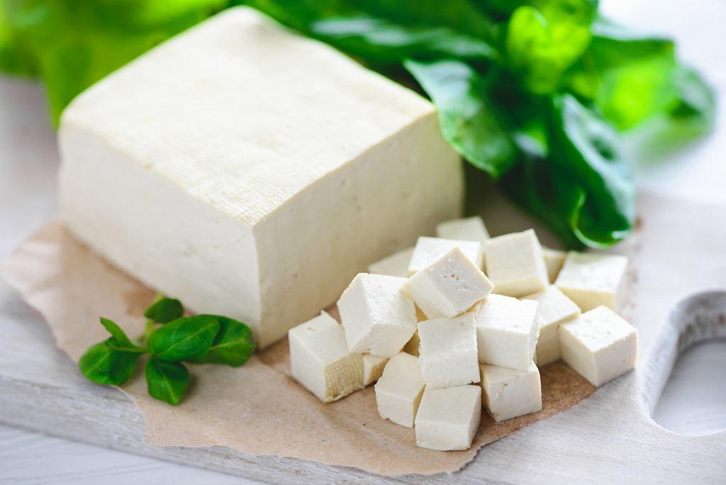 Tofu to ser powstający z mleka sojowego
