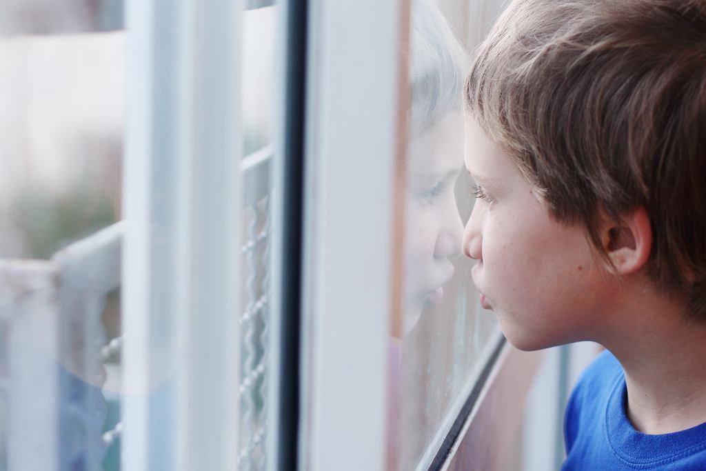 Koronawirus. Specjalny zasiłek opiekuńczy tylko dla rodziców dzieci do lat ośmiu. Dotyczy to także dzieci z orzeczeniem o niepełnosprawności.
