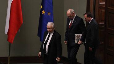 Prezes PiS Jarosław Kaczyński, minister obrony narodowej Antoni Macierewicz i Mariusz Kamiński