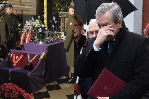 Pogrzeb Bogusława Kaczyńskiego. Minister Piotr Gliński