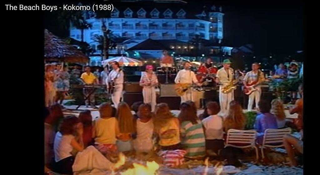 The Beach Boys w teledysku 'Cocomo'.