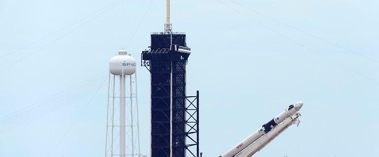 Elon Musk wyśle ludzi w kosmos. O której i gdzie oglądać start Falcon 9?