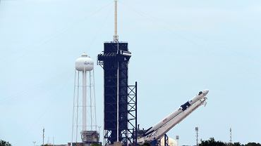 Przygotowani do startu Falcon 9 i Crew Dragon