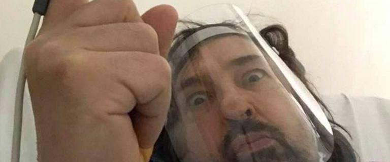 Krzysztof Jaryczewski miał zawał. Wokalista Oddziału Zamkniętego opublikował zdjęcie ze szpitalnego łóżka