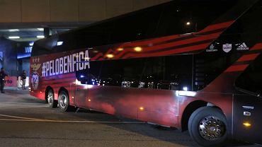 Autobus Benfiki zaatakowany