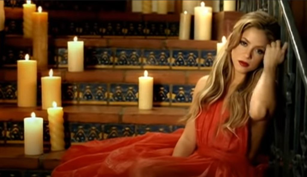 Shakira - Hay Amores (Video Oficial)