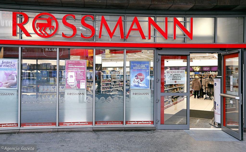 Ogromne promocje w sklepach Rossmann i Hebe. Przeceny nawet do -50%! Co kupimy taniej? (zdjęcie ilustracyjne)