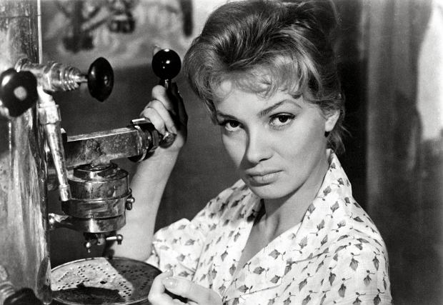 Ewa Krzyżewska w filmie 'Popiół i diament', 1958 rok