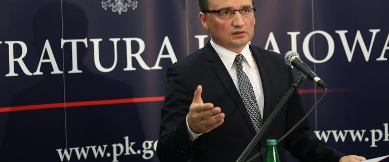 Delegacje w PK. Prokuratorzy donoszą premierowi na Ziobrę