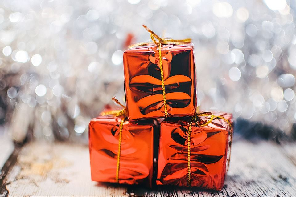 Najciekawsze propozycje na prezent dla niej na święta